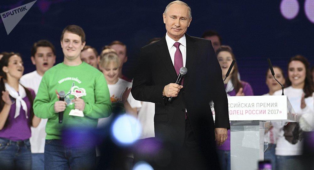 普京承諾在近期決定是否參加2018年總統大選