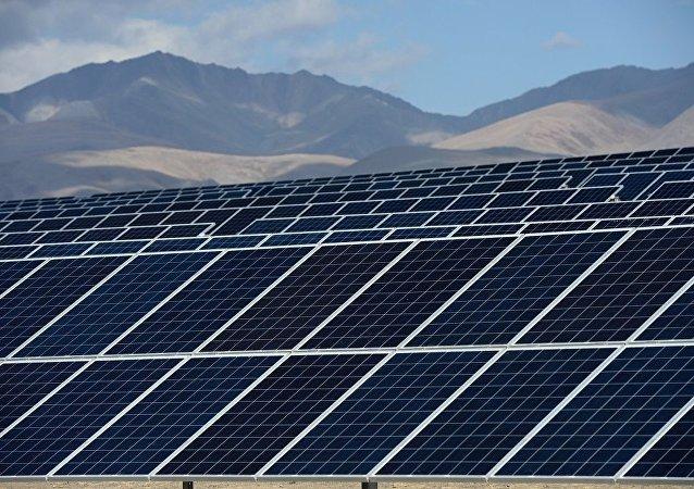 俄羅斯物理學家在石墨烯和量子點基礎上製造太陽能電池