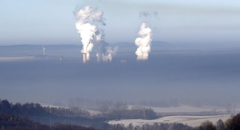 俄車里雅賓斯克居民對空氣污染的投訴數量增長2倍