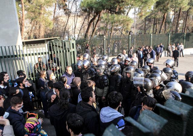 伊朗逮捕近180名騷亂帶頭人