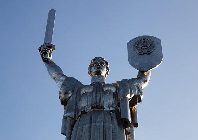 俄回應基輔「蘇聯侵佔說」:半個烏克蘭都應還給俄羅斯