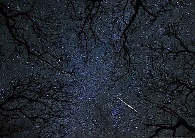 俄羅斯克拉斯諾亞爾斯克有居民稱在空中看到發光球體