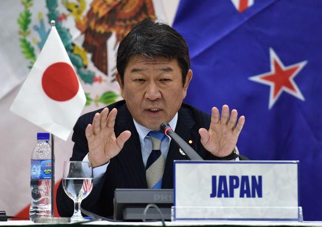 日本經濟再生大臣茂木敏充