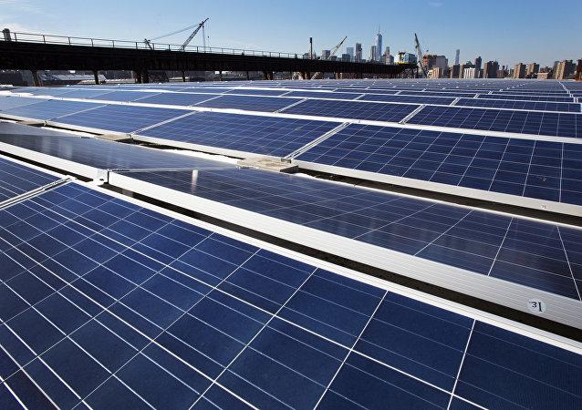 媒體:對太陽能板徵稅令美國太陽能領域損失25億美元