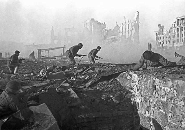 俄將哈薩克斯坦對戰勝納粹德國所做貢獻的檔案文件移交給該國