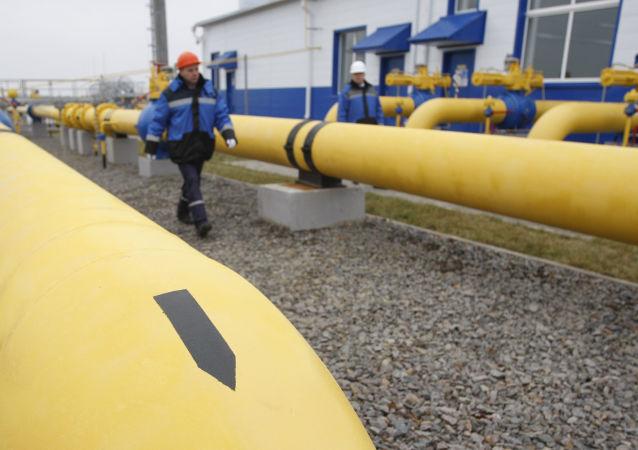 Газораспределительная станция Западная ОАО Газпром около деревни Атолино
