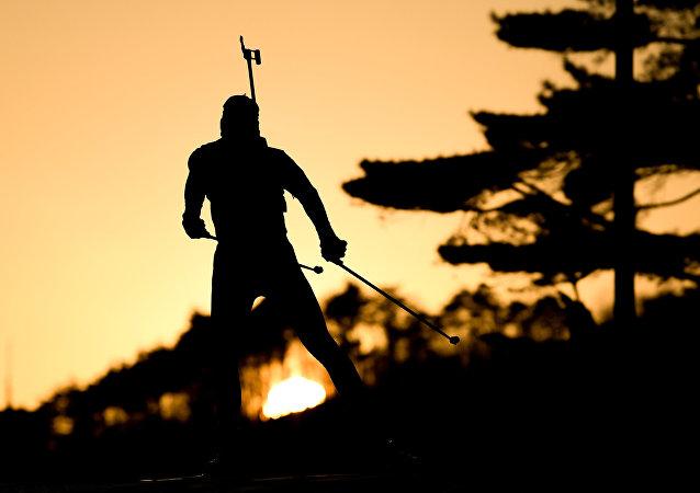 俄運動員洛吉諾夫在意大利冬季兩項世錦賽短距離賽中奪冠