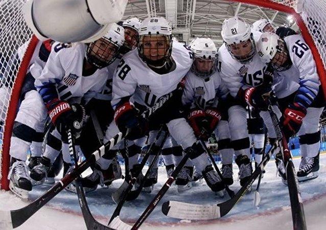 國際奧委會要求去掉美國女子冰球隊門將頭盔上所繪自由女神像