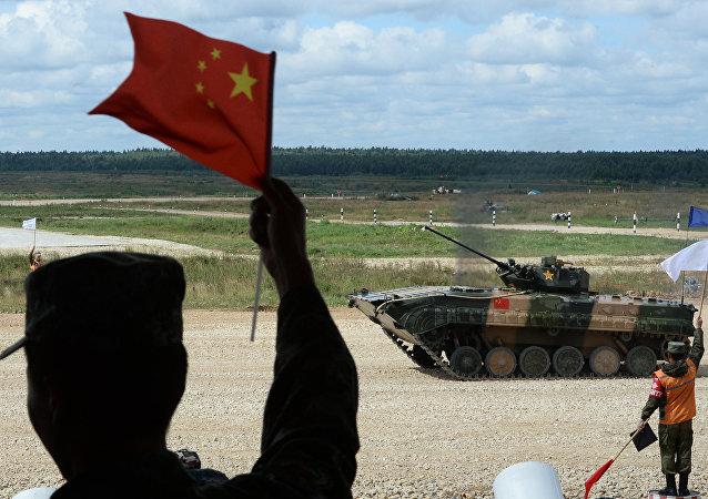 中國軍人抵達新西伯利亞參加國際軍事比賽