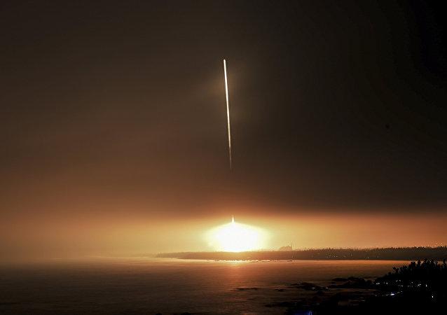 中國長征十一號運載火箭成功完成海上發射