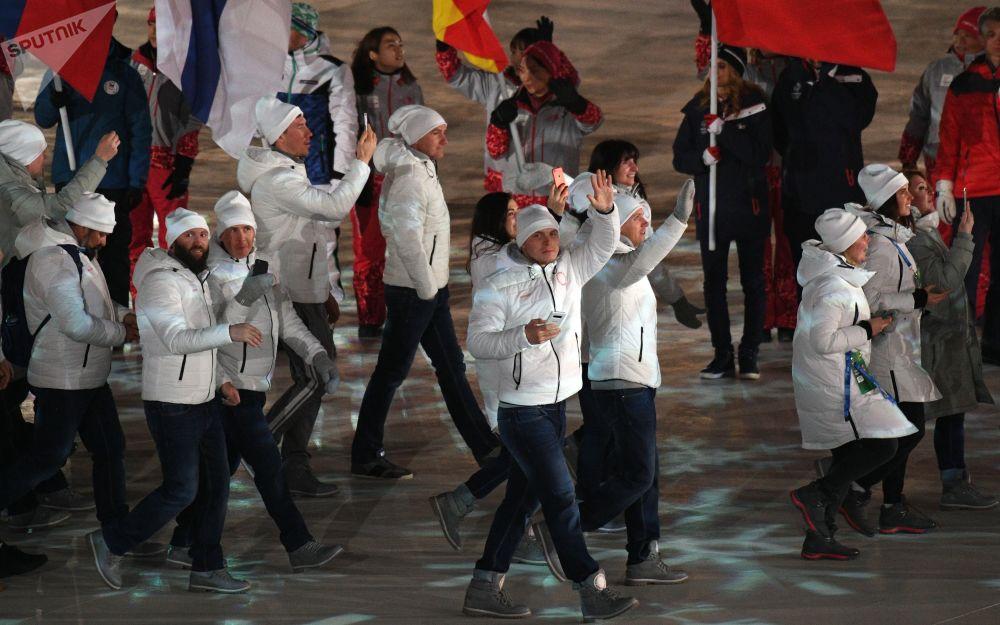俄羅斯運動員在冬奧會閉幕式上