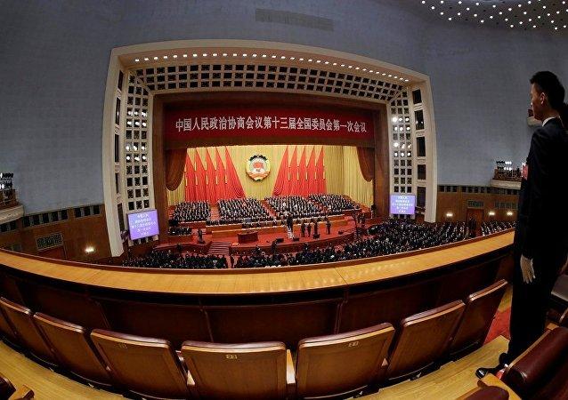 專家:兩會召開說明中國已經基本控制住疫情 生產活動全面恢復