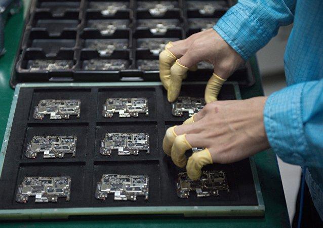 從微觀的芯片到宏觀的貿易戰:美國又對一家中國高科技公司下禁令