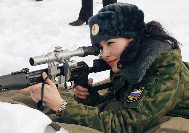 紹伊古講述軍隊中有多少女兵