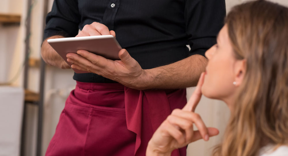 美國一家餐廳向食客收取「種族不平等」費