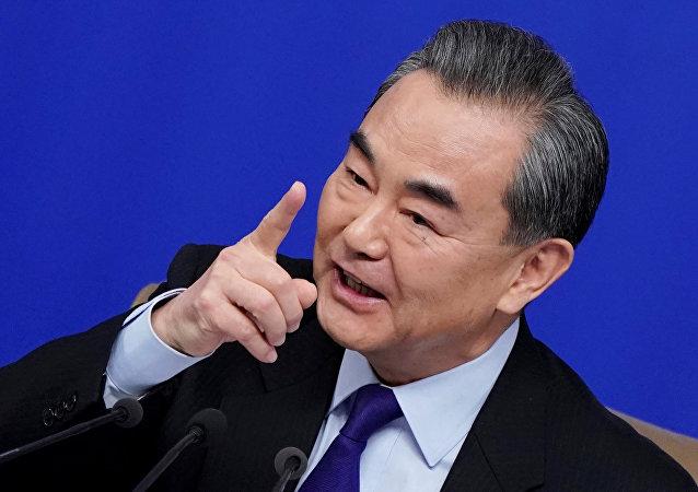 王毅:中菲關係實現由轉圜鞏固到提升的跨越式發展