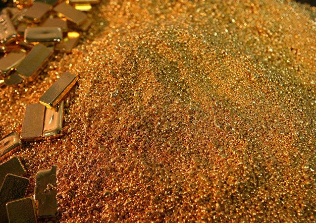 亞庫特上空飛機上散落的金屬錠的價值價值超過一億