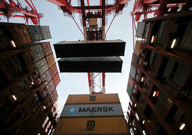 中國海關總署:中國前4個月進出口9.07萬億元 4月份出口增長8.2%