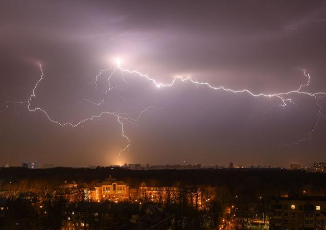 閃電(莫斯科,資料圖片)
