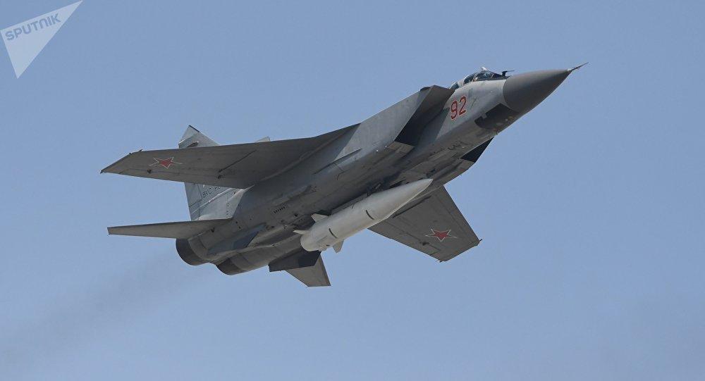 米格-31K攜帶最新型高超音速導彈「匕首」