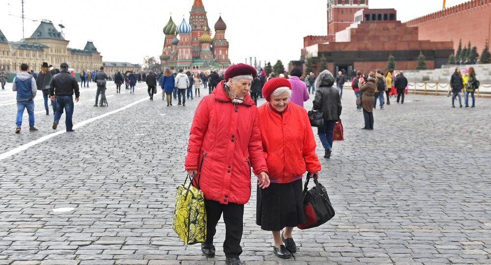 俄聯邦生物醫學署:近十年俄女性平均壽命延長4歲 男性延長6.7歲