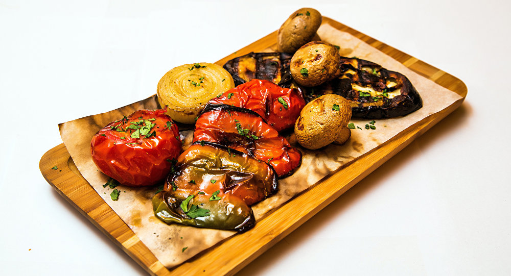 在「Khmeli Suneli」有各種辛加利和特色烤蔬菜。