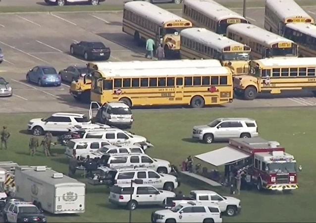 美國德克薩斯州發生的校園槍擊案造成10人死亡