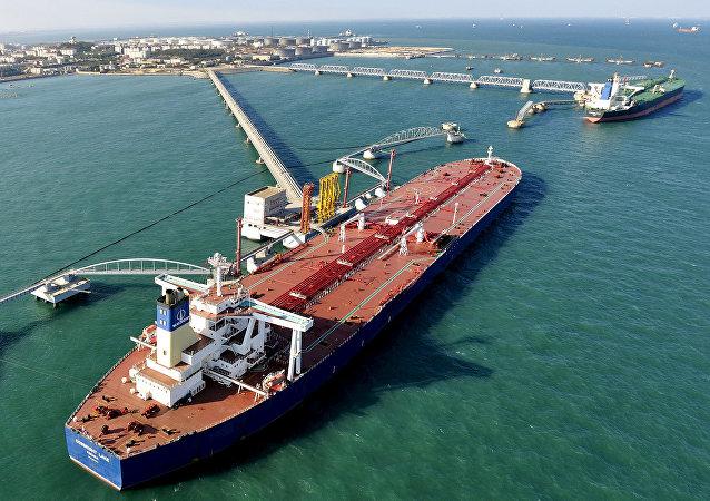 中國統計局:1—5月份中國進口原油同比增長5.2% 進口天然氣同比增長1.9%