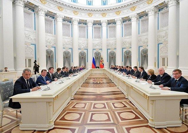 消息人士:聯邦委員會稱與俄新總理的會議或在2月份舉行