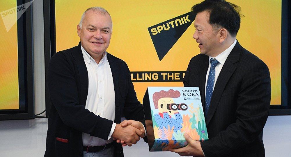 今日俄羅斯通訊社總經理與中國中央廣播電視總台台長探討擴大俄中媒體合作