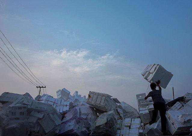 中國政府抓獲58名走私洋垃圾犯罪嫌疑人