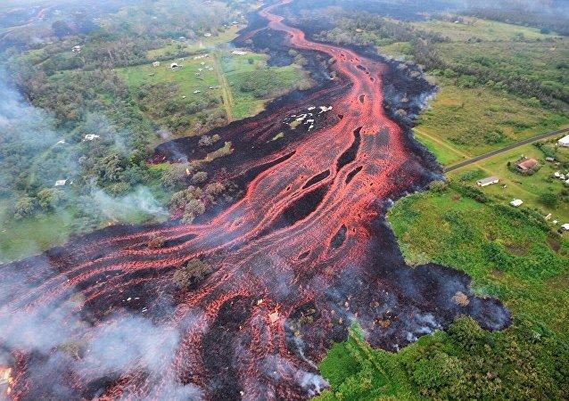專家揭示掉入火山熔岩的後果