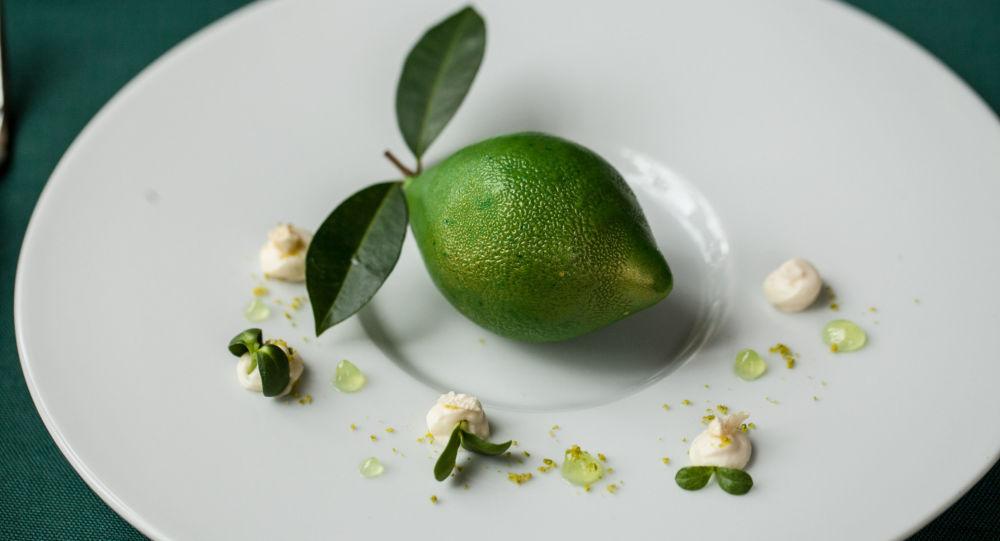 莫斯科俄餐館普希金咖啡館的綠柚子。