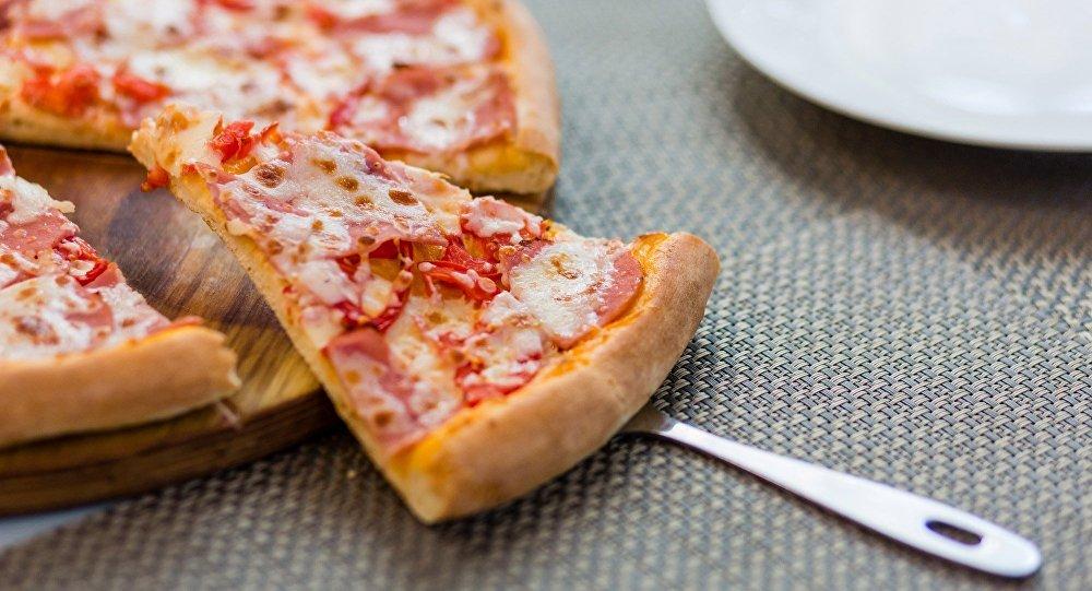 《西西里》餐廳菜單中包含了所有經典種類的披薩以及其他意大利美食。