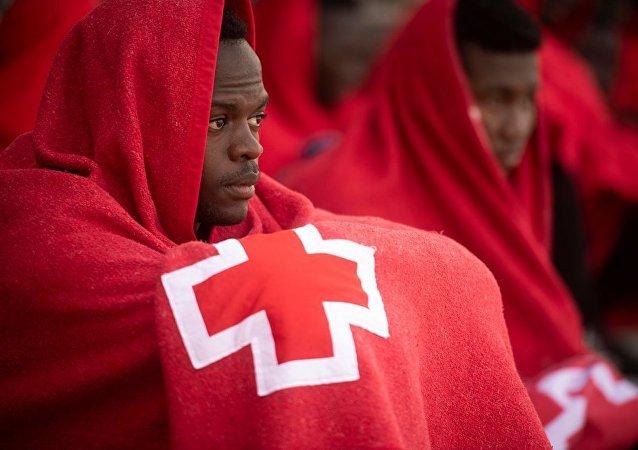 西班牙救援人員:約270名移民在試圖漂流過直布羅陀海峽時獲救