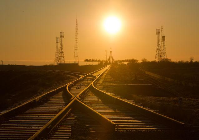 中國大學生在俄薩馬拉州參加教學火箭的發射活動