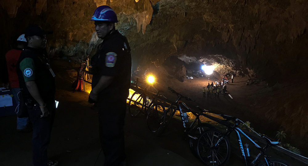 泰國少年足球隊山洞集體失蹤