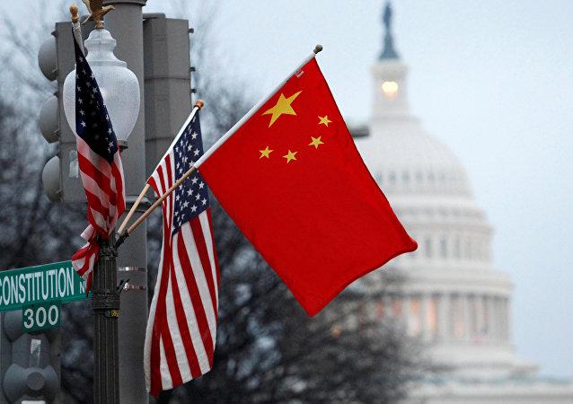 法國經濟部長:中美貿易戰全球遭殃