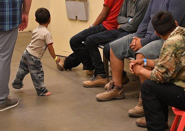 美副總統請求中美洲國家幫助解決移民問題