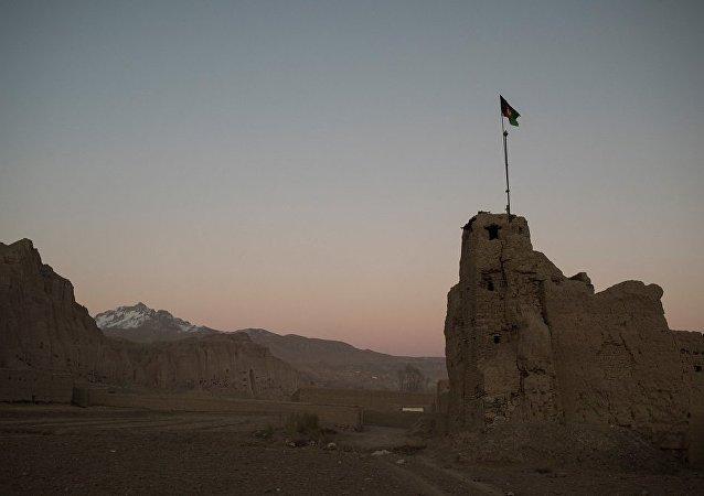 媒體:阿富汗總統宣佈與塔利班解除停火