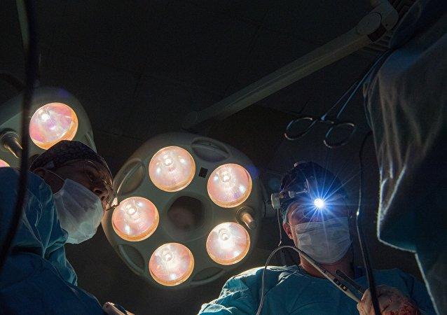 俄衛生部闡述俄羅斯和世界患癌情況