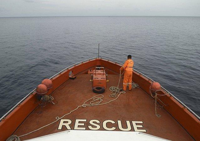 印尼載139人渡輪沈沒 4人死亡