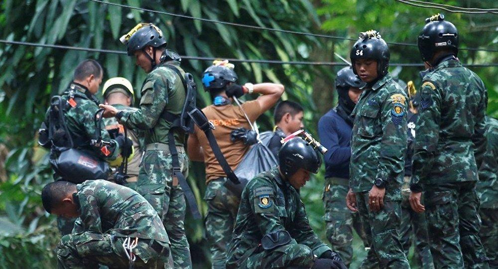 馬斯科願意幫助泰國救援遇險的少年足球隊員