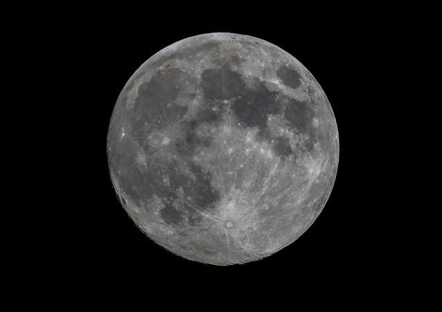 俄院士:俄羅斯計劃2027年將月球低溫土壤取樣運回地球