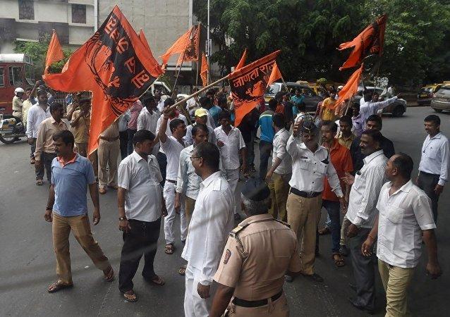 孟買抗議活動期間約450人被拘留