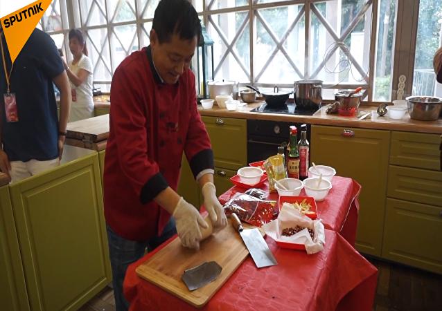 莫斯科開展中國傳統飲食烹飪課堂