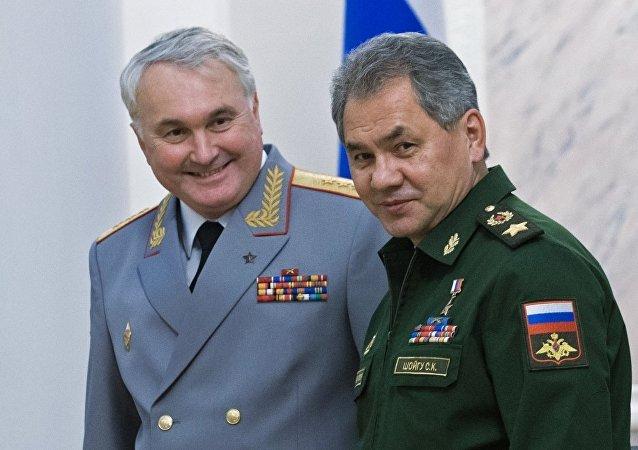 前俄軍駐敘利亞部隊司令安德烈·卡爾塔波洛夫與俄羅斯國防部長