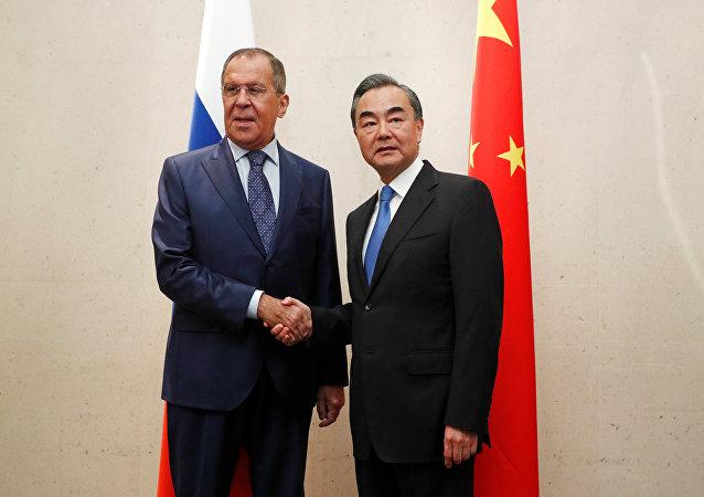 俄中兩國外長在新加坡討論朝鮮半島局勢