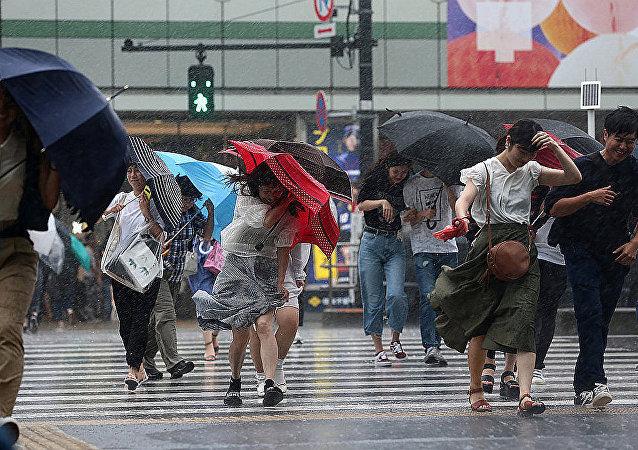 颱風掠過日本(資料圖片)