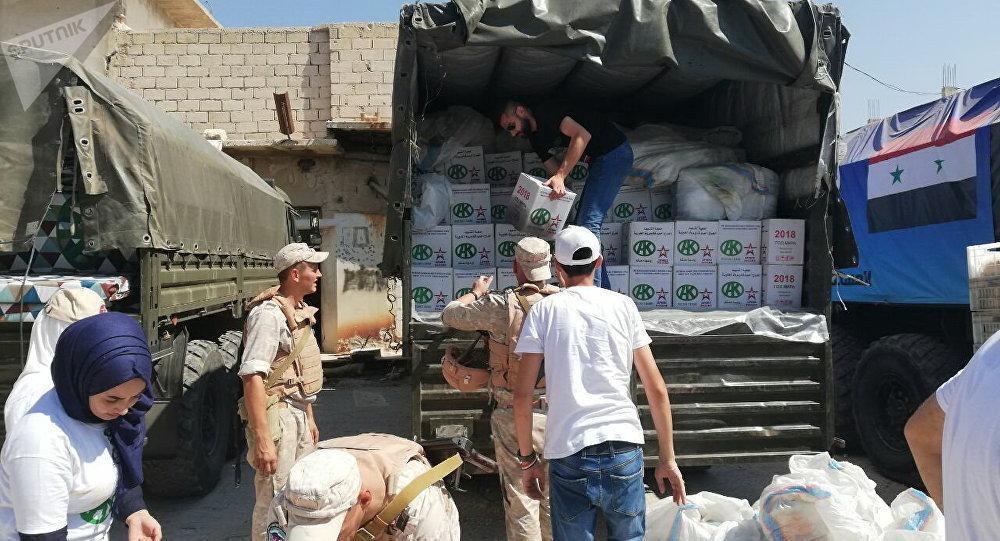俄軍為伊斯蘭國前首都拉卡的居民發放人道主義物質